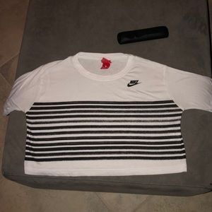 black and white nike short sleeve